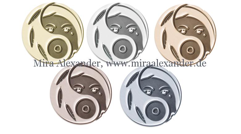 So könnte das Logo einer Sirene als Logo aussehen, von Mira Alexander, http://www.miraalexander.de ; von links nach rechts, oben nach unten: Gold, Silber, Bronze, Kupfer, Stahl