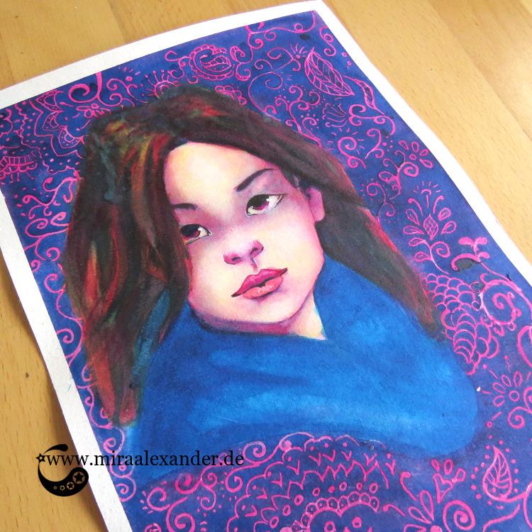 Aquarell-Portrait eines Frauenkopfes mit gemustertem Hintergrund im Rahmen des #SSBD17-Challenges von Mira Alexander.