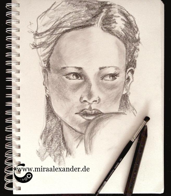 Gedächtnistraining: betrachten, sich abwenden, zeichnen ohne Hinzusehen, Skizze eines Frauenkopfes von Mira Alexander.